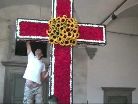 Santa Croce Croce fiorita – croce dei floricoltori di Viareggio